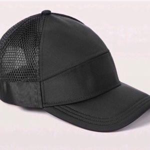 Lululemon Dash & Splash Cap - Hat Black NWT